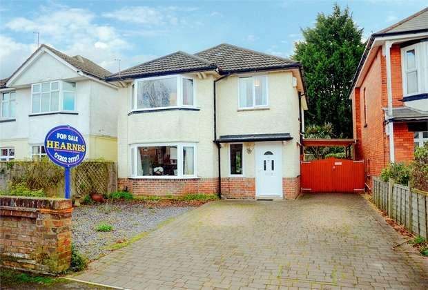 4 Bedrooms Detached House for sale in De Lisle Road, Bournemouth, Dorset