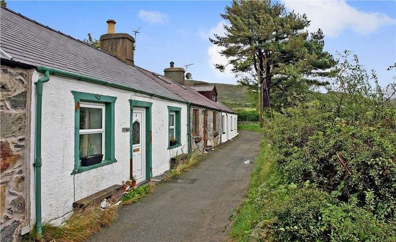 2 Bedrooms Cottage House for sale in Tan Y Foel, Bethesda, North Wales