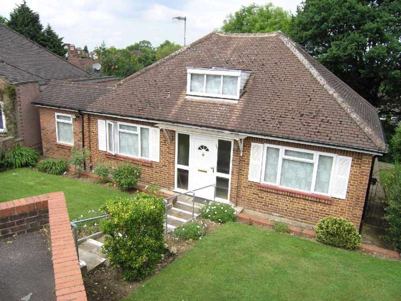 2 Bedrooms Bungalow for sale in Shady Bush Close, Bushey Heath