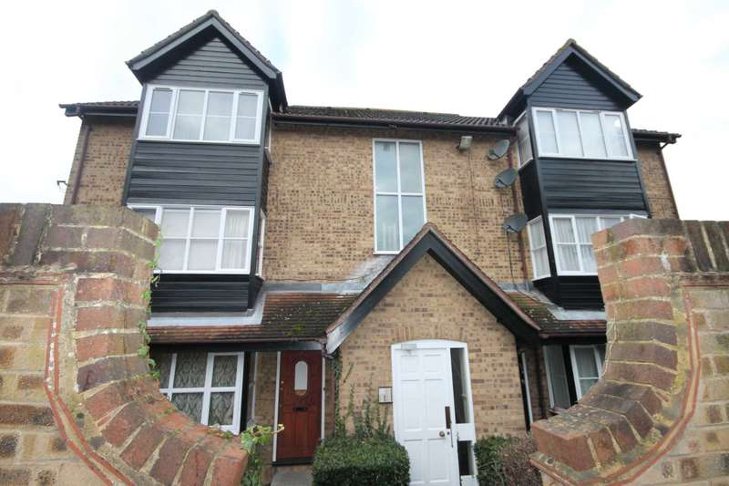 Flat for sale in Knights Manor Way, Joyce Green