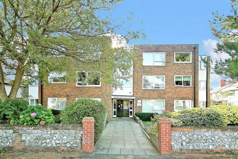 2 Bedrooms Ground Flat for sale in West Avenue, Worthing BN11 5LY