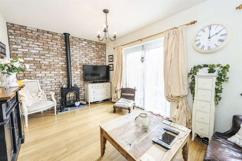 2 Bedrooms Apartment Flat for sale in Fleming Walk, Church Village, Pontypridd