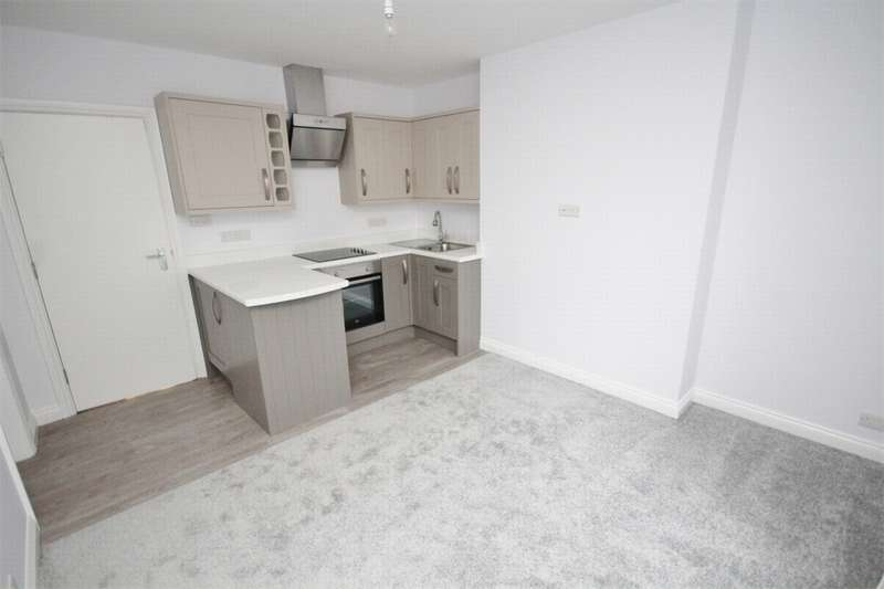 2 Bedrooms Flat for sale in 52 Norwich Avenue West, Bournemouth, Dorset