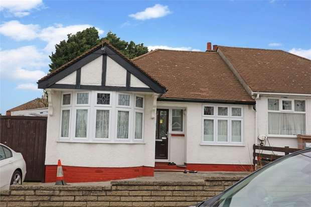 3 Bedrooms Semi Detached Bungalow for sale in Rushden Gardens, Ilford, Essex