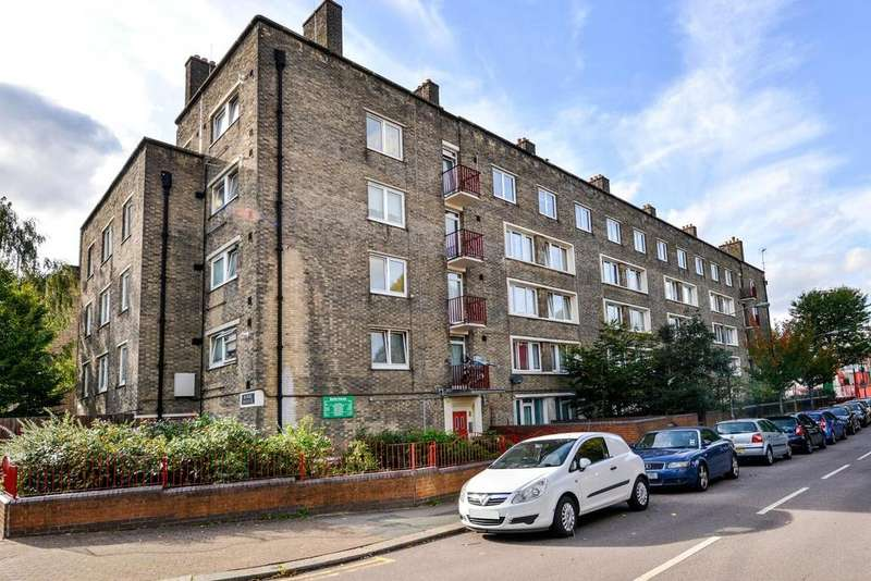 2 Bedrooms Flat for sale in Maysoule Road, Battersea