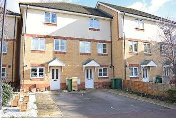 4 Bedrooms House for sale in The Fairways, Farlington, Portsmouth, PO6 1RW
