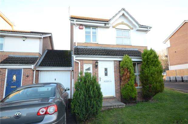 3 Bedrooms Link Detached House for sale in Elm Park, Reading, Berkshire