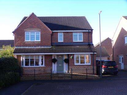 4 Bedrooms Detached House for sale in Sherbourne Drive, Hilton, Derby, Derbyshire