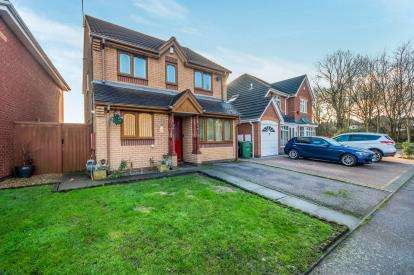 3 Bedrooms Detached House for sale in Lambourn Road, Riverpoint Estate, Willenhall, West Midlands