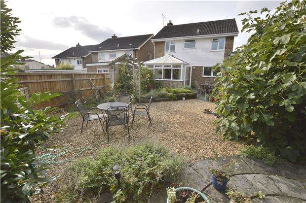 4 Bedrooms Detached House for sale in Griffiths Avenue, CHELTENHAM, Gloucestershire, GL51 7BE