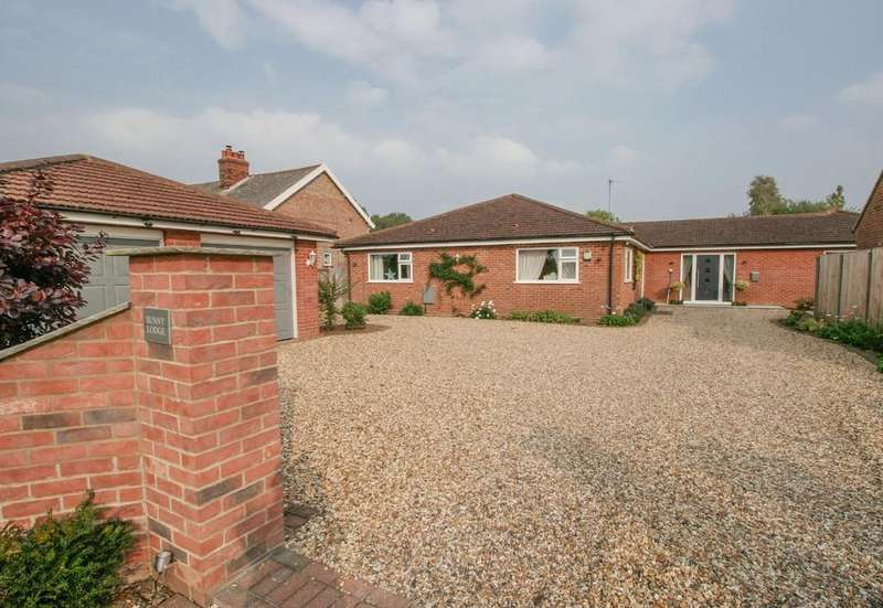 4 Bedrooms Detached Bungalow for sale in Low Common, Deopham