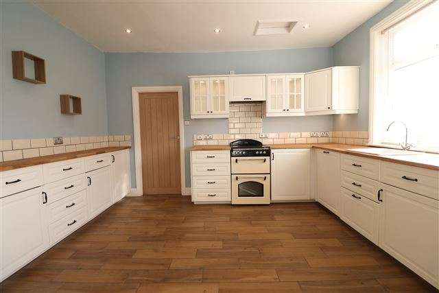 3 Bedrooms Semi Detached House for sale in Blackwell Road, Carlisle, Cumbria, CA2 4DN