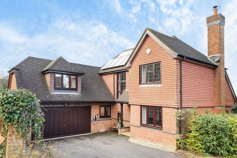 4 Bedrooms Detached House for sale in Grosvenor Close, Hatch Warren, Basingstoke, RG22