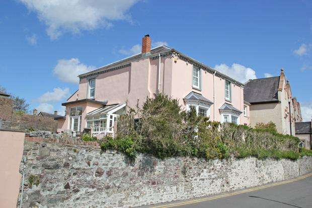 4 Bedrooms Detached House for sale in The Parade, Carmarthen , Carmarthenshire