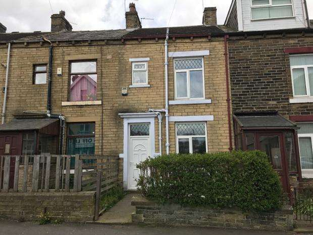 3 Bedrooms Terraced House for sale in Woodhall Road, Bradford, BD3