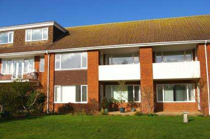 2 Bedrooms Flat for sale in 1A Raleigh Road, Budleigh Salterton, Devon