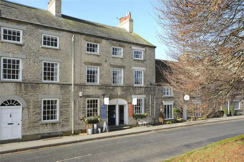 3 Bedrooms Terraced House for sale in Duncombe Place, Church Street, Helmsley, York