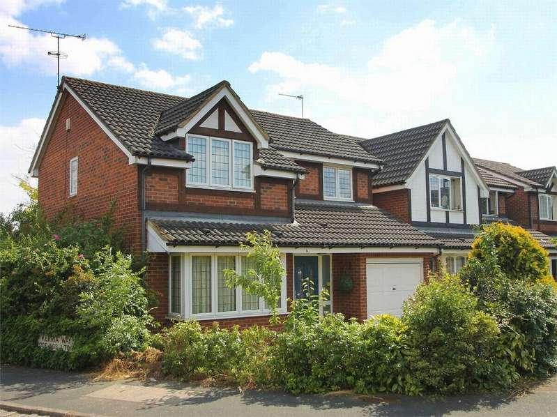 4 Bedrooms Detached House for rent in Kerria Way, West End, Woking, Surrey