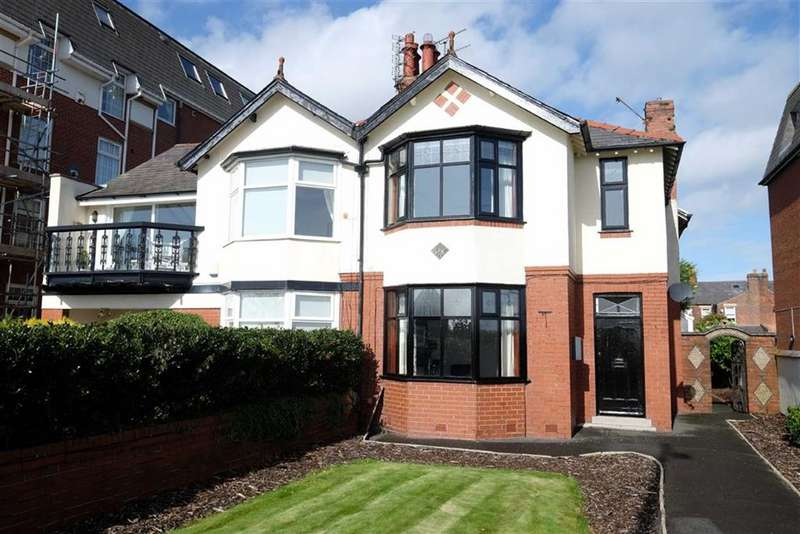 4 Bedrooms Semi Detached House for sale in East Beach, Lytham
