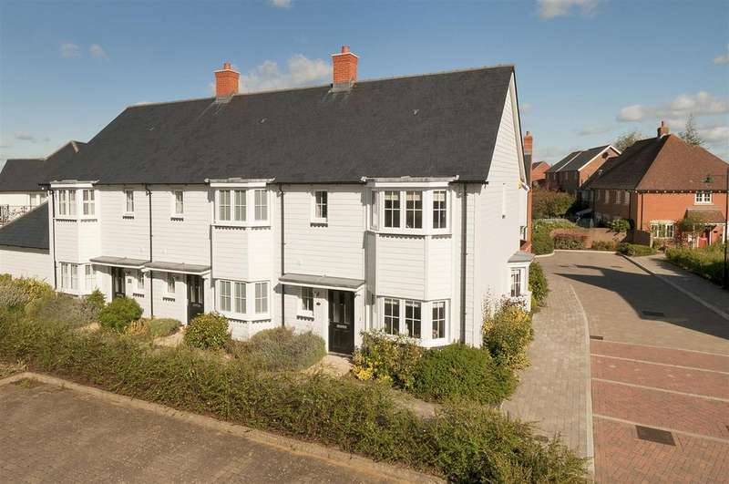 3 Bedrooms End Of Terrace House for sale in Tiffen Way, Kings Hill, West Malling