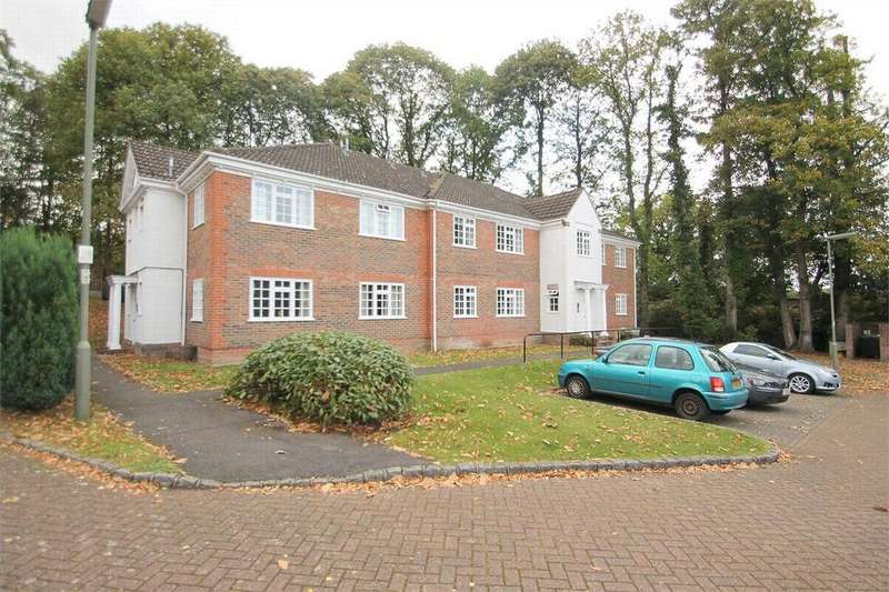 1 Bedroom Flat for sale in Bagshot, Surrey
