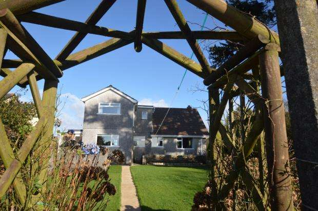 4 Bedrooms Detached Bungalow for sale in Main Road, Ashton, Helston, Cornwall