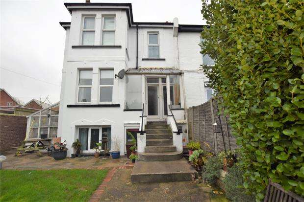 2 Bedrooms Flat for sale in St Michaels Road, Paignton, Devon