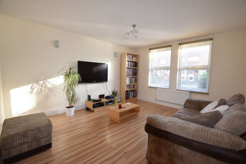 2 Bedrooms Flat for sale in Bellsfield Court, Bell Lane, Eton Wick, SL4