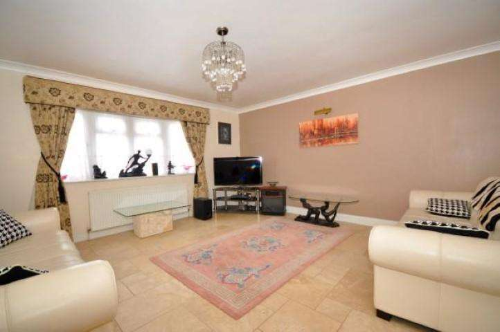 1 Bedroom House Share for rent in Hovefields Avenue, Wickford, Essex