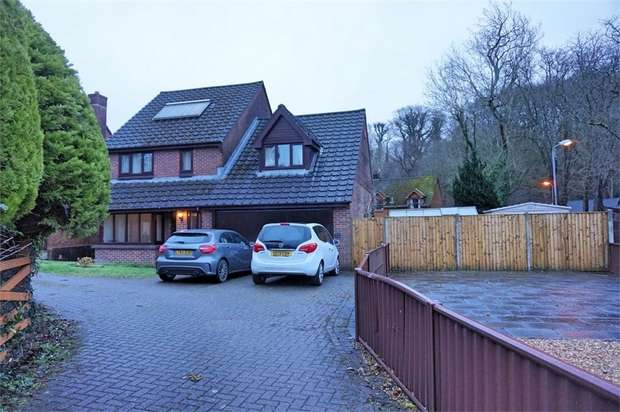 4 Bedrooms Detached House for sale in 8 The Avenue, Neath, West Glamorgan