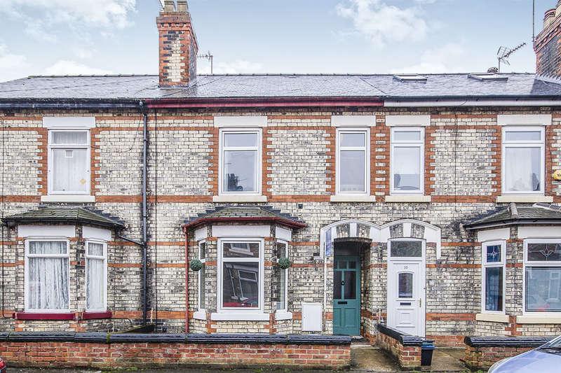 4 Bedrooms Terraced House for sale in Westfield Avenue, Selby, YO8
