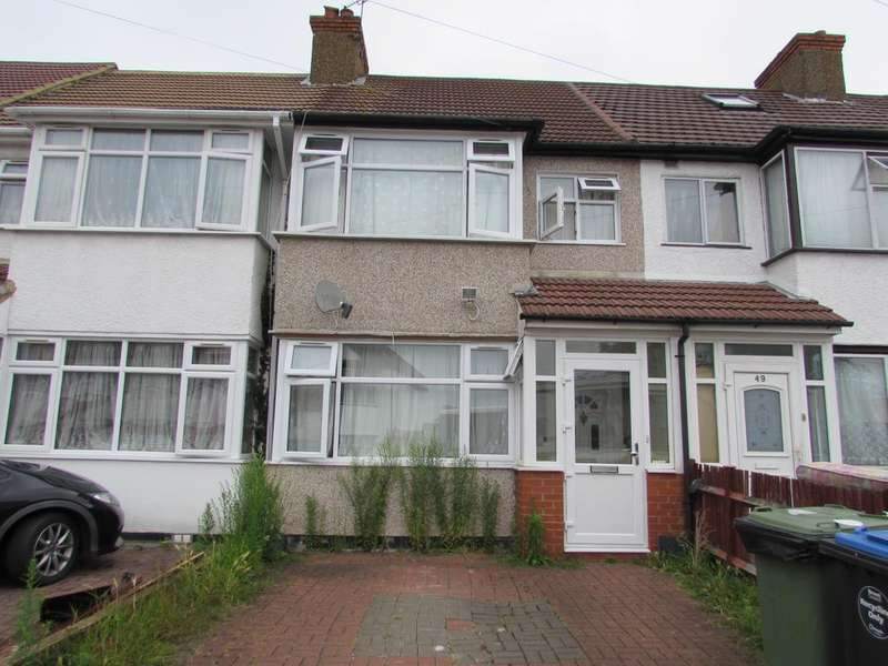 3 Bedrooms Terraced House for sale in Woodside Close, Wembley HA0