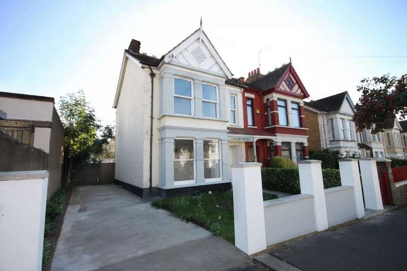 4 Bedrooms Semi Detached House for sale in Honiton Road, Southend-on-Sea