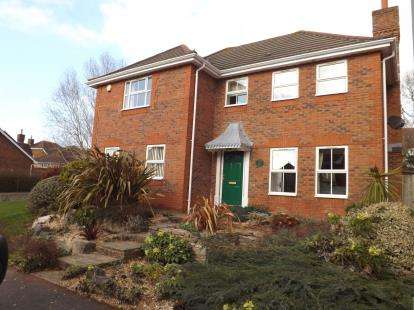 4 Bedrooms Detached House for sale in Lower Swanwick, Southampton, Hampshire