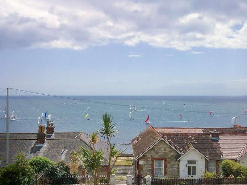 3 Bedrooms Semi Detached House for sale in Ventnor , Isle Of Wight