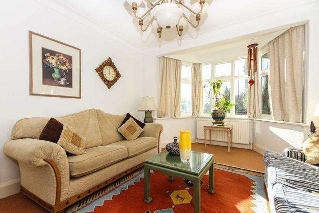 4 Bedrooms Semi Detached House for sale in Sixth Cross Road, Twickenham TW2