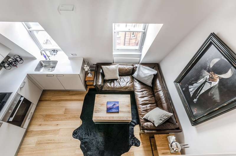 2 Bedrooms Flat for sale in Rupert Street, Soho, W1D