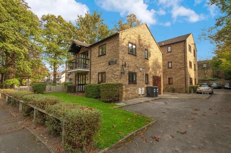 1 Bedroom Apartment Flat for sale in Bancroft Court, Buckhurst Hill