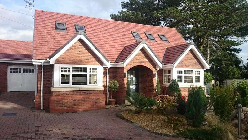 3 Bedrooms Detached Bungalow for sale in Overlea Gardens, Off Overlea Avenue, Deganwy