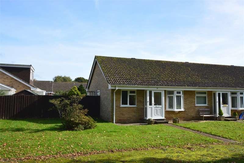 2 Bedrooms Bungalow for sale in Little Dene Copse, Pennington, Lymington, Hampshire, SO41