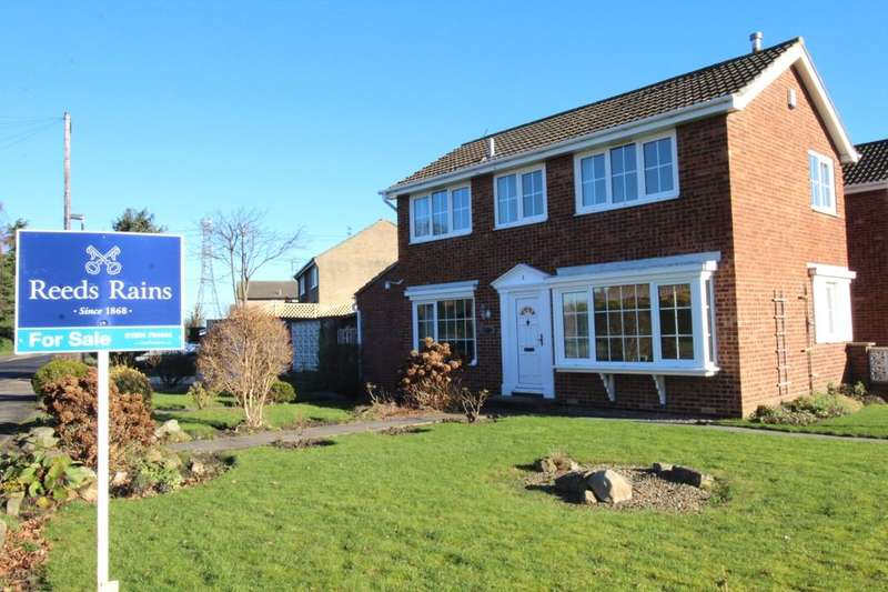 3 Bedrooms Detached House for sale in West Nooks, Haxby, York, YO32