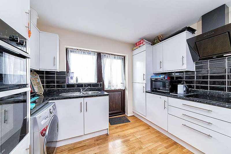 4 Bedrooms Detached House for sale in Ada Gardens Poplar E14