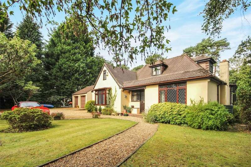 3 Bedrooms Chalet House for sale in Lone Pine Drive, West Parley, FERNDOWN, Dorset