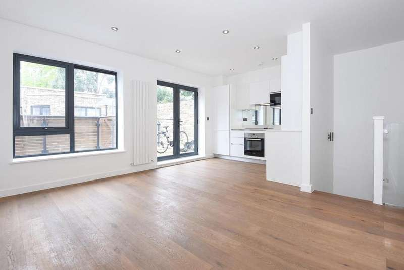 2 Bedrooms Flat for sale in Bemish Road, Putney