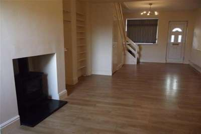 2 Bedrooms House for rent in Cross Street, Kettlebrook
