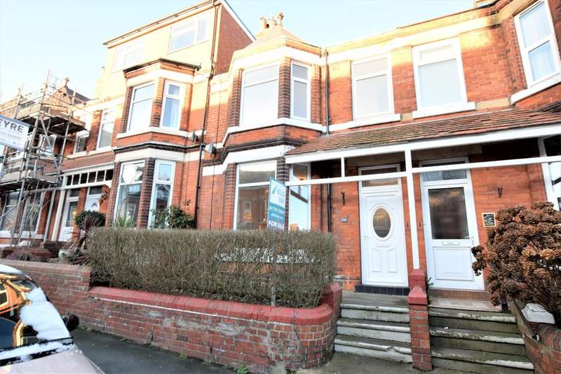 4 Bedrooms Terraced House for sale in Ashville Avenue, Scarborough