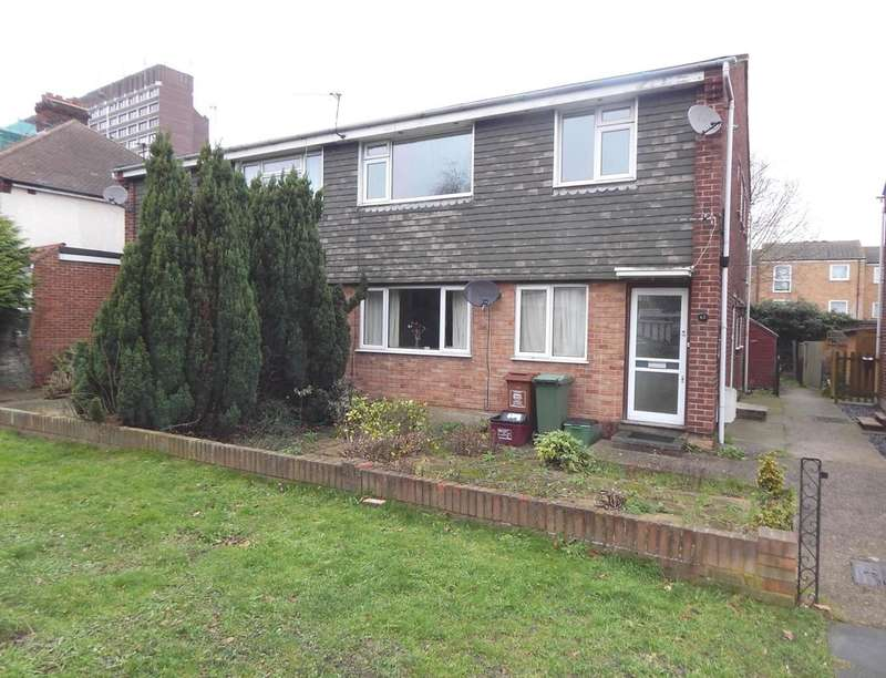 2 Bedrooms Flat for rent in Hatherley Crescent, Sidcup, DA14