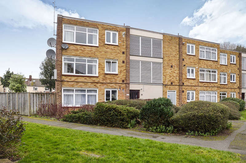 2 Bedrooms Flat for sale in Grafton Close, Whitton, Hounslow, TW4