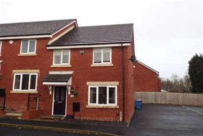 3 Bedrooms Mews House for rent in Spinners Drive, Walkden