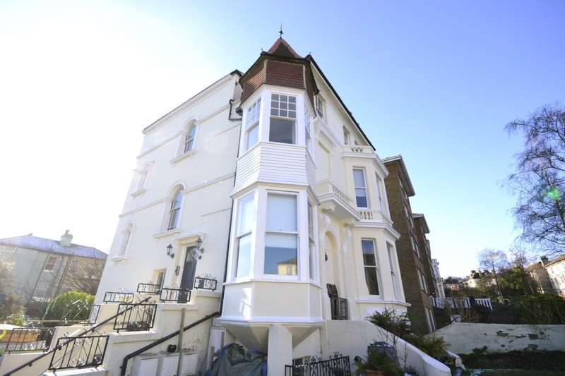 2 Bedrooms Flat for rent in Pevensey Road, St Leonards On Sea, TN38